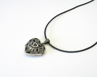 Beautiful heart grenade Locket Silver 925