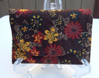 Dual-Fold Fabric Wallet