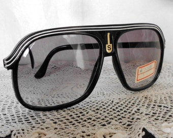 Vintage sunglasses years 80 NEW. 80