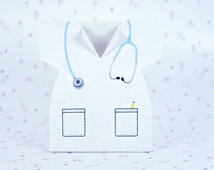 Doctor/nurse white shirt with blue stethoscope favor box