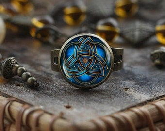 Blue triquetra ring, Celtic ring, Triquetra ring, Triquetra jewelry, Celtic triangle ring, Celtic knot ring, men's ring, adjustable ring