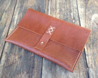 Leather clutch/purse/pouch - hand cut, hand stitched, handmade