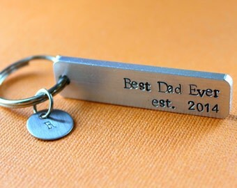 Customized Keychain, New Dad Gift, Gift for Dad, Dad Keychain, personalized, Pregnancy Announcement, Father's Day, Grandpa Keychain