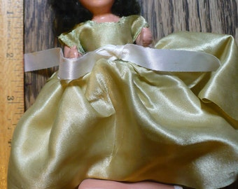 Hollywood doll, brunette in gold dress 5 inch