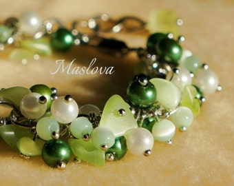 Bracelet in shades of green with natural stones