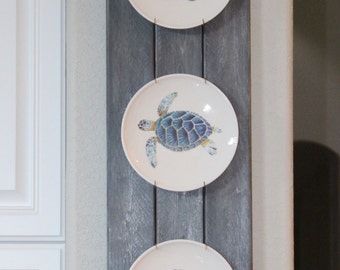 Weathered Plank Plate Hanger, Distressed Wood, Plate Rack, Display, Kitchen Dining Wall Art, Cottage, Beach, Lake, Coastal