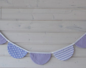 Garland semicircle in shades of light purple