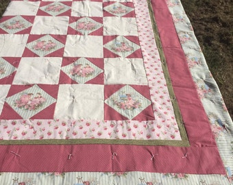 pink and green quilt, homemade quilt, handmade quilt, hand tied quilt, victorian girl quilt, quilted throw, art quilt, hand pieced quilt