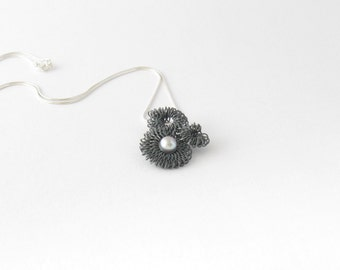 One of a kind pearl necklace-Handmade oxidized sterling silver pendant-Modern-Minimalist jewelry-Pendentif en argent sterling oxidé et perle