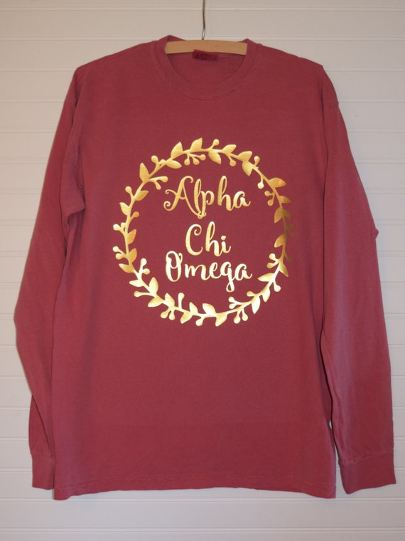 alpha chi omega 102 wreath comfort color tshirt short sleeve or long sleeve with glossy gold letters