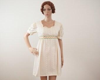 Women's Cream Eyelet 1960s Baby Doll Cotton Dress Empire Small