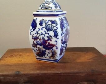 Vintage Candy Dish Blue and White, Vintage Storage Jar, Vintage Canister, Vintage Vase with Lid, Vintage Porcelain Jar, Asian Canister