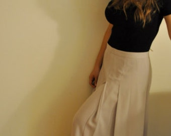 90s Elegant Flared Long Taupe Skirt with Pleats, Fitted at the Waistline