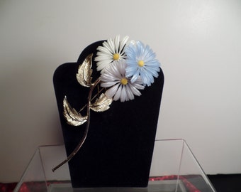 1950's Large and Fun Daises Brooch
