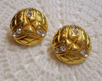 Quilted Pattern Gold Tone Rhinestone Button Clip On Earrings