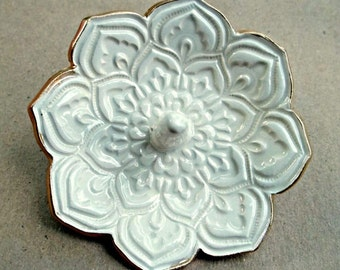 Ceramic OFF WHITE Lotus Ring Holder Bowl with gold edging