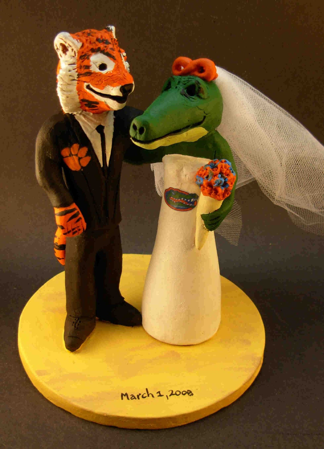 florida gator wedding cake toppers clemson tiger groom marries florida gator alligator 14326