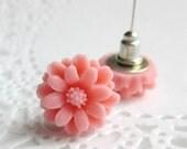 Mum Flower, Pastel Pink Flower Earrings, Light Pink Earrings, Mum Flower Earrings, Bridesmaid Earrings, Retro Earrings, Pink Jewelry