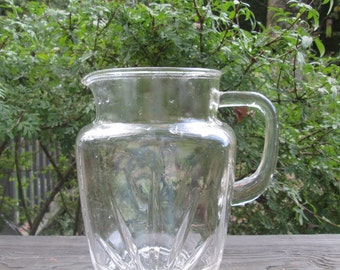 Vintage Federal Glass Starburst Pitcher = 1 1/2 Quart Glass Mid Century Pitcher