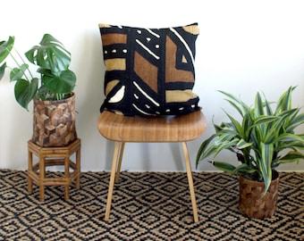 "20 inch African Mud Cloth, Brown Mudcloth, Black Linen Pillow, 20"" x 20"", Matte Black Zipper, Boho Style, Bogolan Fabric, Mudcloth Pillow"