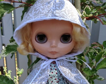 Blythe Clothes Mori Cape Doll Tan Hooded Cape White Leaves Neutral Beige