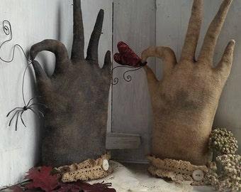 Folky Gloves, A Primitive, Folk Art Glove Pattern by Raven's Haven