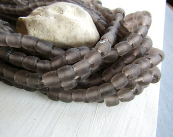 Grey  Recycled glass bead,  irregular barrel tube beads,  translucent frosted matte finish , Indonesia  16 pcs 6ak8-5