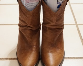 Vintage 80s Connie Camel Saddle Embossed Leather Slouch Slouchy Cowboy Boots 7.5