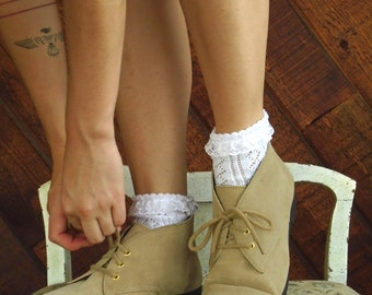 Taupe Suede Lace Up Ankle Chukka Bootie Boots - Vintage 90s - 9