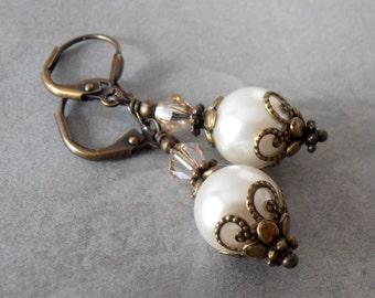 Rustic Ivory Pearl Dangle Earrings, Vintage Style Pearl Wedding Jewelry, Faux Pearl Bridesmaid Earrings, Bridal Jewelry