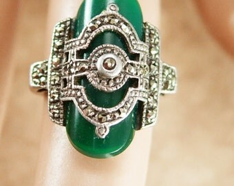 Art Deco Chrysoprase Ring ESTATE Vintage FABULOUS sterling Green Stone of Venus size 6
