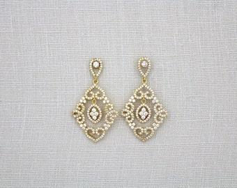 Crystal Bridal earrings, Gold Wedding earrings, Wedding jewelry, Gold Chandelier earrings, Vintage style earrings, Crystal earrings