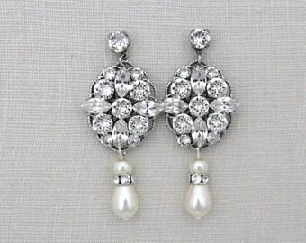 Crystal Bridal earrings, Pearl Wedding earrings, Wedding jewelry, Swarovski crystal earrings, Pearl earrings, Chandelier earring, Vintage