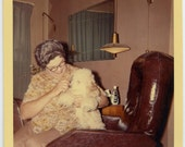 1964 Lady Combing Her POODLE - snapshot 832-A