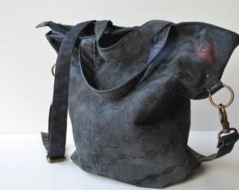 Grey tote with black print (shoulder strap)