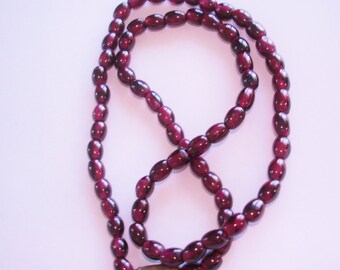 Garnet Bead Necklace.