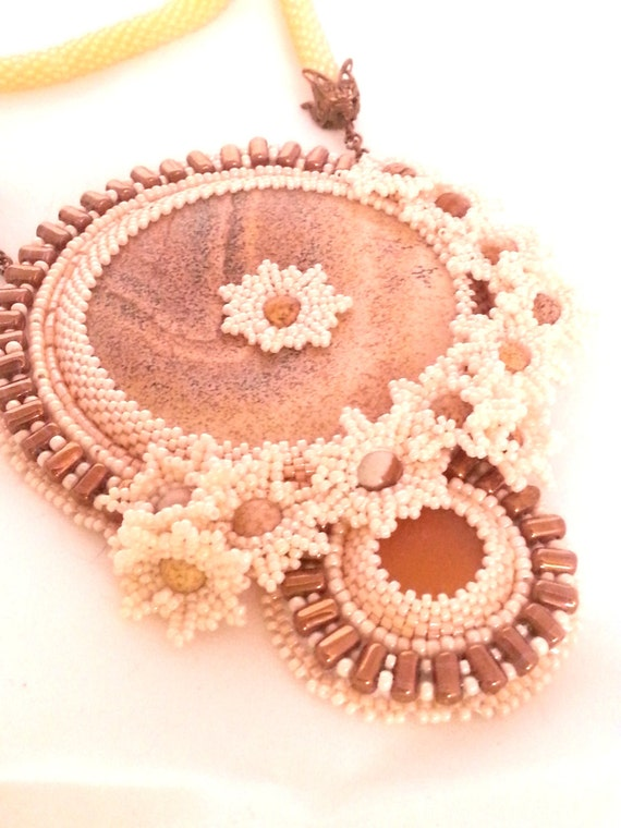 jasper flower beadwork bead embroidery necklace donut picture