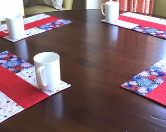 4 Quilted American Flag Placemats, Labor Day, Summer Cottage Decor, Patriotic, Picnic, Set of 4,  Red, White, Blue