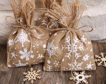 Reserved for therigbyspa. Christmas Party Favor Bags, Burlap, Winter, Set of 5, Random Snowflakes, Shabby Chic.