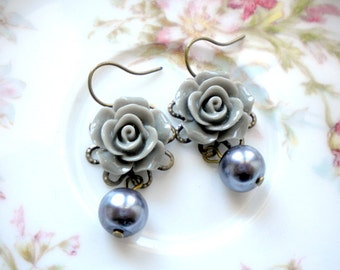 Rose Earrings Pearl Bridesmaid Earrings Flower Earrings Pearl Drop Earrings Grey Pearl Earrings Grey Wedding Jewelry Pearl Dangle Earrings