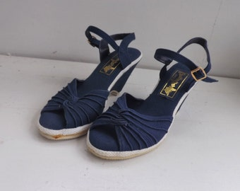 70s Shoes Blue Canvas Wedge Vintage Butterflies Spring Summer 5
