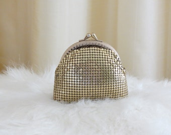 Vintage 60s Gold Metal Mesh Coin Change Purse