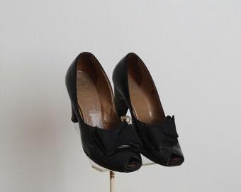 Vintage 1940s Shoes - 40s Peep Toe Heels - The Michelle