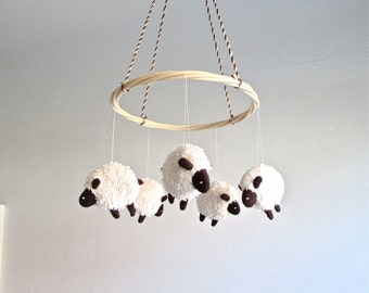 Baby mobile, sheep, lamb, nursery decor, baby gift, shower gift, cosy, white, black, can be vegan