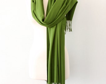 Pashmina shawl Lime green scarf Thick Pashmina wrap Fringe shawl Plain shawl Autumn fall accessories Solid color shoulder scarf