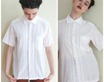 Vintage 1950s 1960s Short Sleeved Blouse in White Cotton Batiste  / 50s Eyelet Lace Blouse by Cripps Miami / Large
