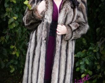 Classy Elegant Vintage Beige Brown Grey Tips Genuine Raccoon Fur Full Length Coat / Unique Raccoon Striped Fur Coat Small Medium 4 6 8 Mint