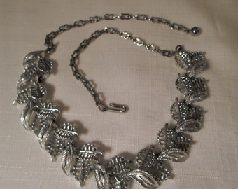 SILVER NECKLACE / Choker / Old Hollywood / Glamour / Retro / Mid-Century Modern / Couture / Classic / Trendy / Chic / Rockabilly / Accessory