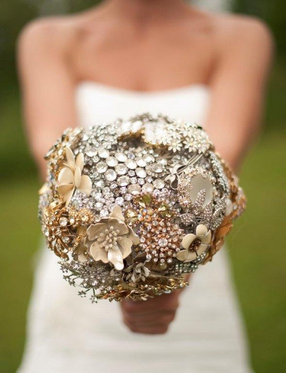 Brooch Bouquet Deposit | Custom Bridal Bouquet | Heirloom Jewelry Bouquet | Handmade by The Ritzy Rose | USA | Worldwide Shipping