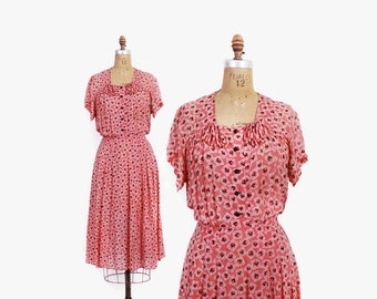 Vintage 40s NOVELTY DRESS / 1940s ROOSTERS Novelty Print Pink Rayon Day Dress L